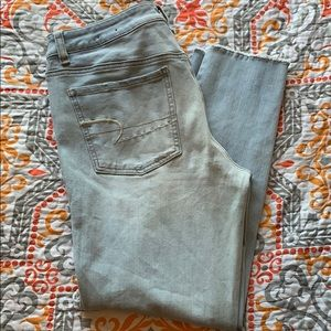 American Eagle jogging cropped jeans, size 10